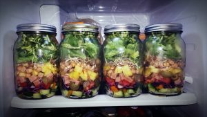 Salads in jars as clean eating lunch ideas